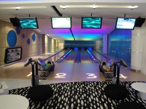 360 Mall Bowl Room