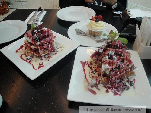 D&D pancakes waffles and cupcakes